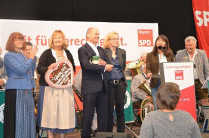 Ingrid Lenz-Aktas, Annette Ganssmüller-Maluche, Olaf Scholz, Natascha Kohnen und Bela Bach