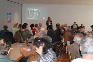 Bürgermeisterin Gabriele Müller gibt einen kurzen Überblick über die aktuellen Angebote für Senioren in Haar.