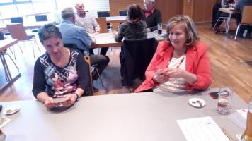 Manuela Fürnrieder und Annette Ganssmüller-Maluche wurden an einen Tisch gelost.