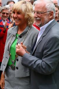 Von Altbürgermeister Helmut Dworzak hat Gabriele Müller viel gelernt.