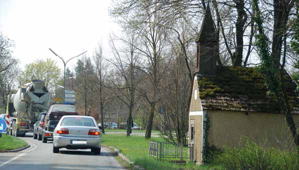Autobahnparallele